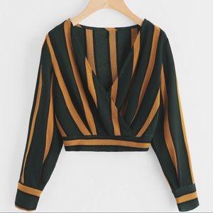 Tops - NWOT • Striped long sleeve crop top